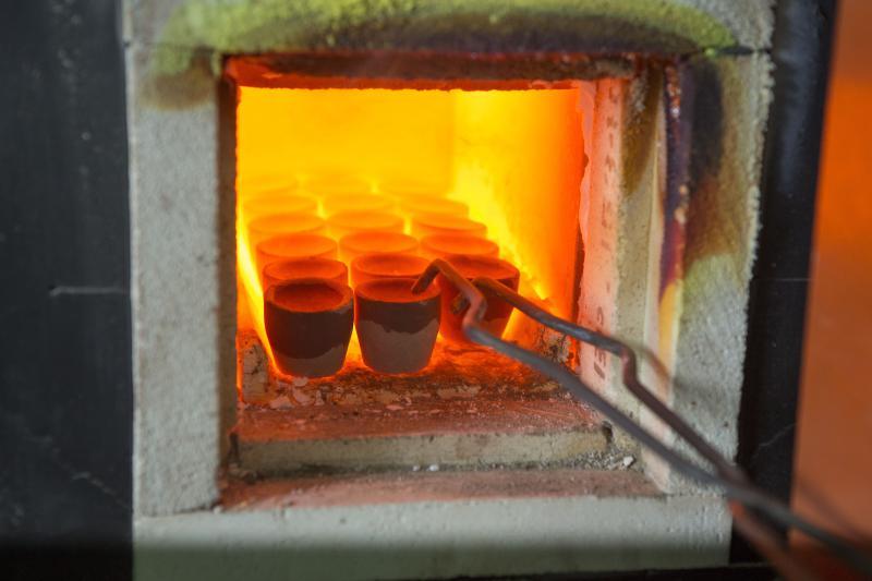 Empresa de análise de metais